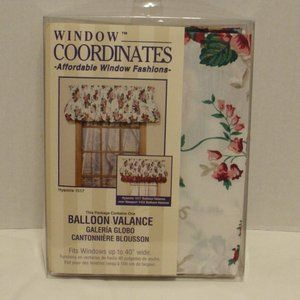 "Kitchen Window Balloon Valance NWT 70""x14"""